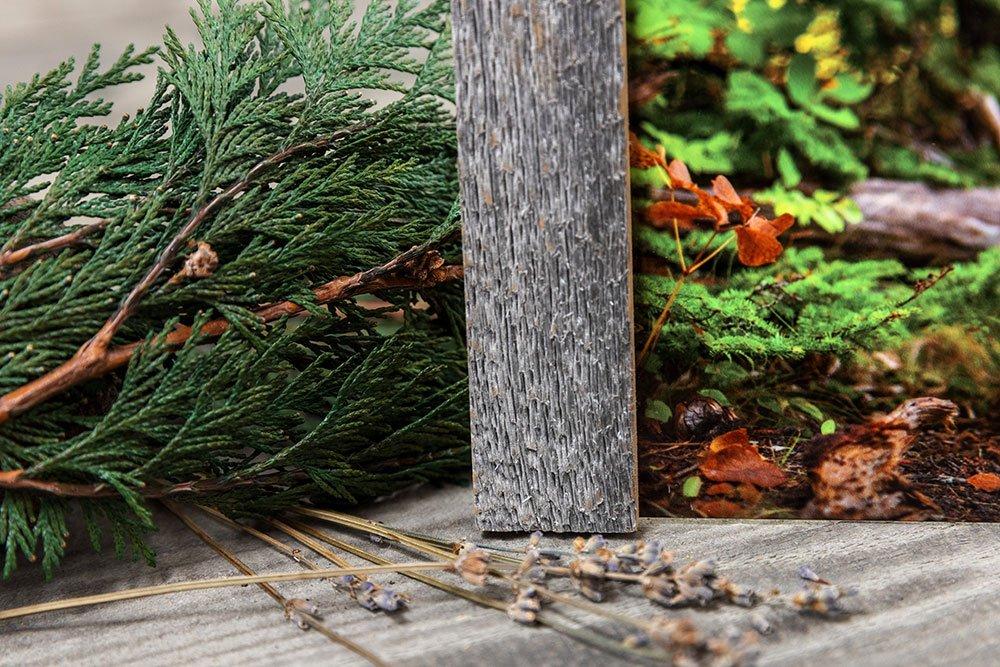 close up of barnwood frame
